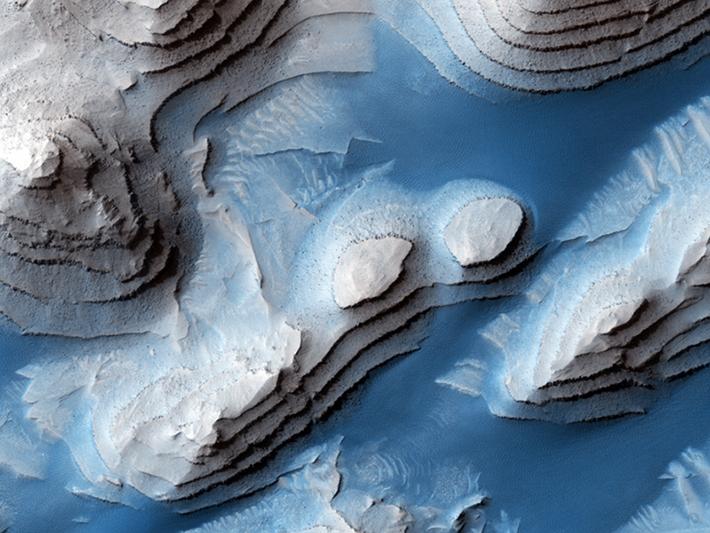 Слоистые кратеры Марса