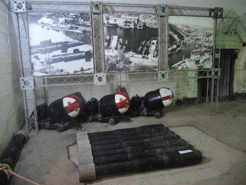 Торпеды и бомбы