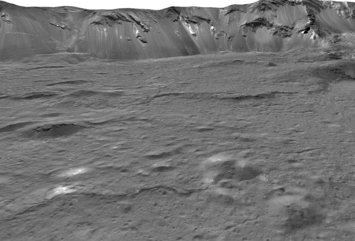 Источник: NASA/JPL-Caltech/UCLA/MPS/DLR/IDA/USRA/LPI