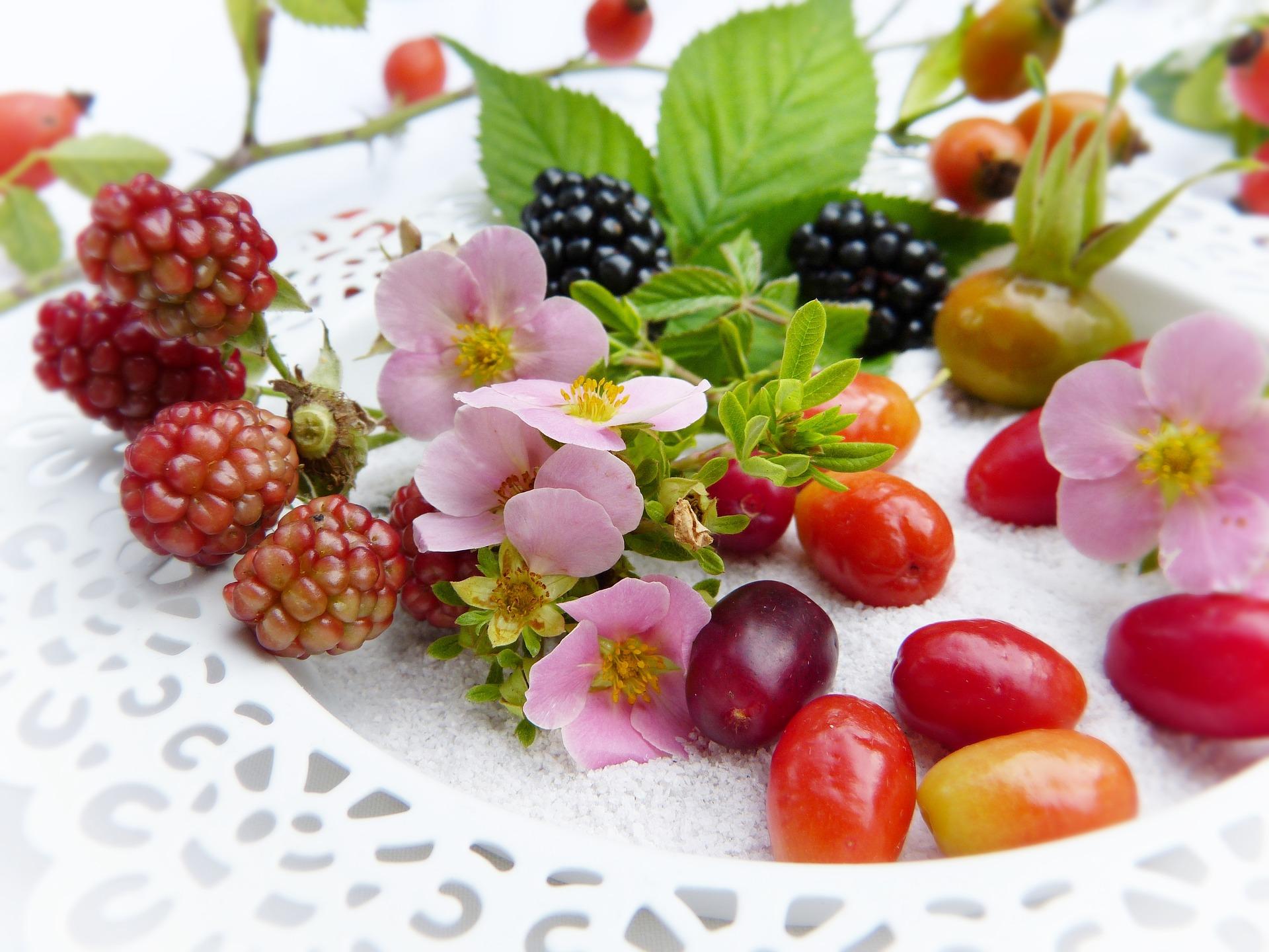 1603199171-berries-2665250-1920.jpeg