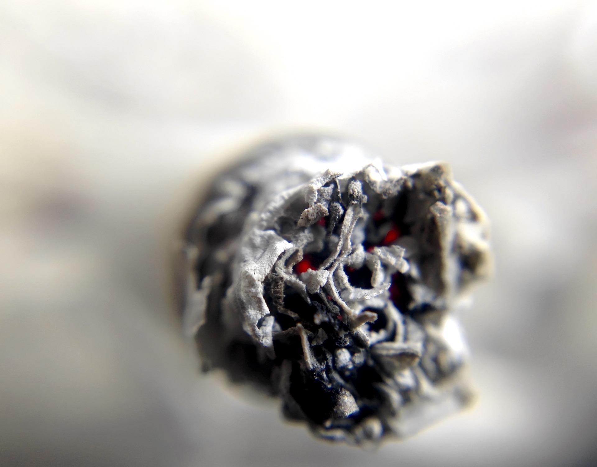 1606120347-cigarette-1270516-1920.jpeg