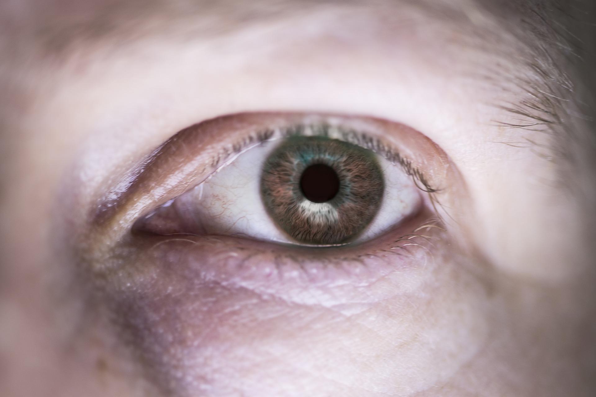 1606142325-eye-4620839-1920.jpeg