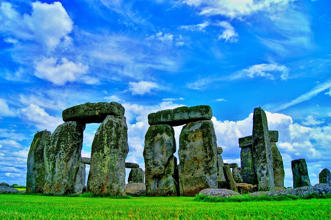 1606641462-stonehenge-101801-1280.jpeg