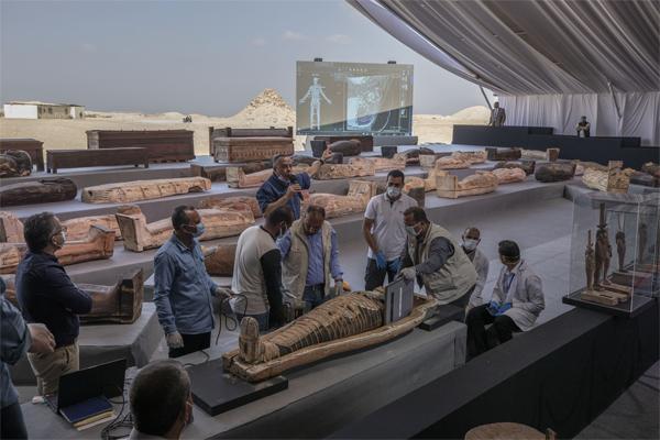 египетское открытие гроба 2020 лучшее археологическое открытие 2020, Египет обнаруживает 100 неповрежденных, запечатанных и окрашенных гробов и коллекцию из 40 деревянных статуй в крупнейшем археологическом открытии 2020 года в Египте, египетское открытие гроба 2020 лучшее археологическое открытие 2020 фотографии, египетское открытие гроба 2020 лучшее археологическое открытие 2020 видео